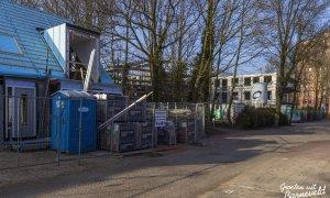 15-02-2015 - Seniorenwoningen aan de Reigerstraat. Op de achtergrond een nieuw kantoor & appartementen aan het Theaterplein - Barneveld