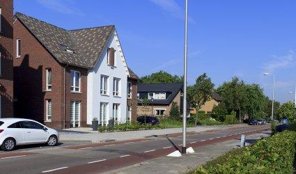 Heden, 2014 - Schoutenstraat met nieuwbouw als onderdeel van het nieuwbouwproject Hof van Callenbroeck. Dit project is gerealiseerd op het terrein van de voormalige gasfabriek, tussen de Kallenbroekerweg en de Schoutenstraat. - Barneveld